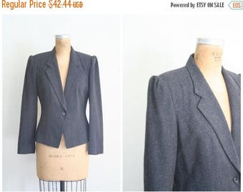 SPRING SALE vintage 80s fitted wool blazer - ladies 80s gray jacket / Charcoal Gray - 1980s puff shoulders / equestrian inspired - preppy bl
