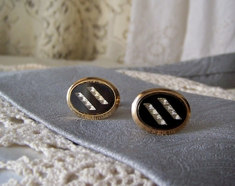 Vintage Cuff Links Black Oval Gold Tone Mens Jewelry Shirt and Tie Designer Cufflinks Vintage 1960s