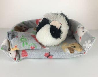 Forest animals guinea pig couch, small animal bed
