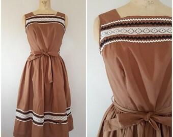 Vintage 1950s Dress / 50s Sundress / Brown Sleeveless Cotton Dress / Rickrack Trim / Small Medium