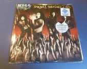 Kiss Smashes, Trashes & Hits Vinyl Record LP 836-427-1 Polygram Records 1988