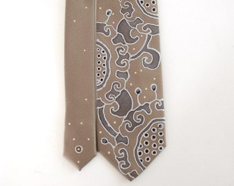 Extravagant beige necktie for men, floral neck tie for men, gift for him, personalized gift for men - Hand painted accessory made to order