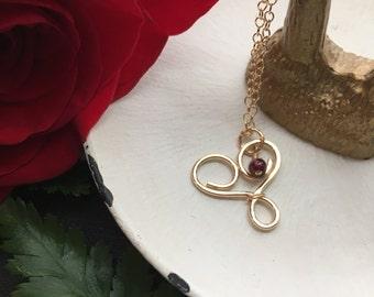 Gold Garnet Necklace, Gold Heart Necklace, Gold Red Necklace, Gold Heart Jewelry, Garnet Jewelry, Minimal Birthstone Necklace