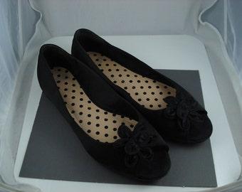 Mootsie Tootsie Satin Black Peep Toe Flat Size 7 Flower Embellished