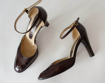 1970s vintage shoes / brown leather ankle strap heels / Charles Jourdan / size 7