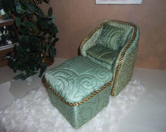 1/6th BEDROOM Chair and Ottoman Dollhouse BARBIE Blythe Fashion Dolls  Handcrafted Handmade Elegant Satin Bedroom Chair Ottoman  Carpet