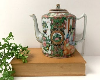 Rose medallion teapot - antique export ware - early 20th traditional Asian design