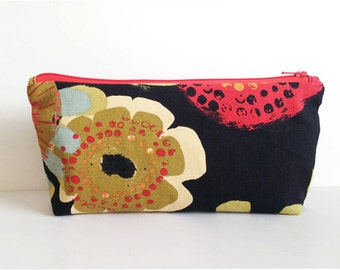 Flower Power Bag, small zippered pouch, zippered bag, a cosmetic bag, makeup case