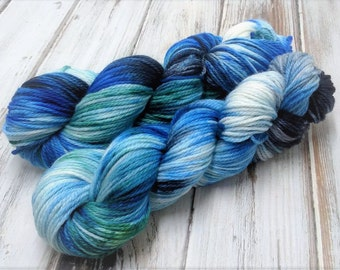 Chaotic Stormy Seas 3.5oz 100g 166yds Superwash Merino Wool Aran Heavy Worsted Yarn Knitting Crochet Blue