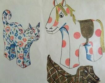 CLOTH ANIMALS Pattern • Simplicity 2262 • Soft Stuff Animals • Stuffed Toy Animals • Vintage Patterns • Craft Patterns • WhiletheCatNaps