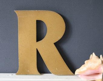 Vintage Shop Letter R, gold