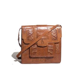 40% off SALE 1970's Vintage Women's Brown Leather Shoulder Bag Purse Croc Inlay Purse