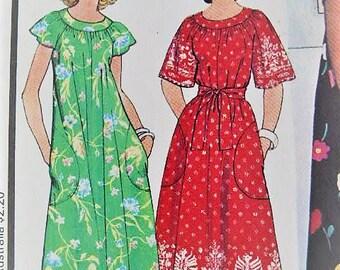 1970's McCall's Vintage Loungewear Yoked Housedress  Tent Dress Muu Muu Robe 5919 Sewing Pattern Large Size 18 - 22 Bust 40 - 42 UNCUT