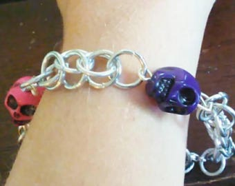 Chainmaile charm Bracelet with Pink and Purple Skulls