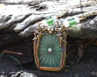 Green Camphor Glass Necklace