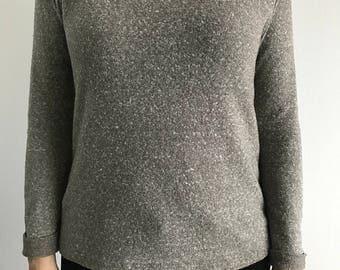 Gray Sweater (Sz M)