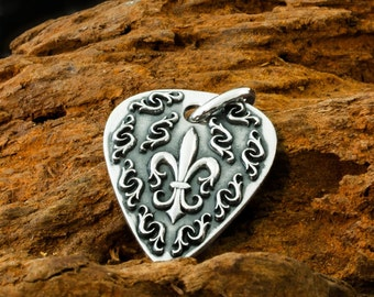 """Handmade Solid 925 Sterling Silver Fleur De Lis Guitar Plectrum Pendant with Reversible Dogstone """"D"""" on the Back."""