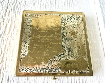 Vintage souvenir compact Indiana state map gold metal Wadsworth mirror loose powder 1950s