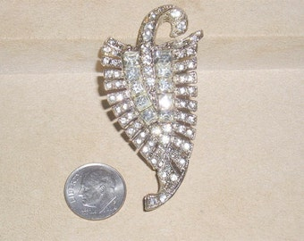 Vintage Rhinestone Fur Clip Rhodium Plated 1940's Signed Jewelry 4151
