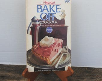 Vintage America's Bake Off Cookbook by Pillsbury 1970s