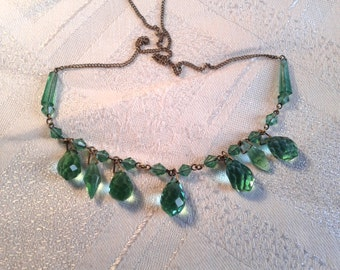 Vintage Edwardian Necklace, Green Faceted Glass Drops.