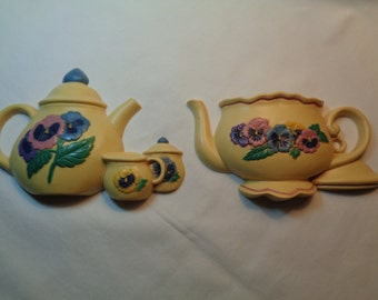 Burwood Plastics Pansy Teapot Wall Decor