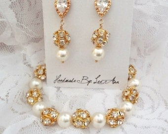 Gold pearl bracelet and earring set, Swarovski pearl set, Gold pearl set, Gold bridal jewelry set, Bridesmaid Jewelry set,  Gift