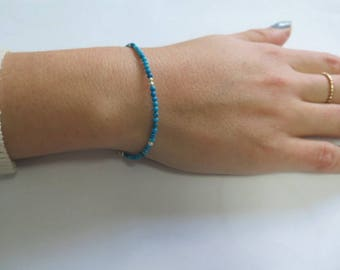 Gemstone Bead Bracelet, Turquoise Bead Bracelet, Dainty Layering Turquoise, Turquoise Silver Bracelet, Birthstone Bracelet, Seashell Jewelry