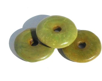 Set of 3 Stone Donut Pendants, Yellow Turquoise Stone, Flat Round Pendant, Supply Donut, Crafting Stone, Chartreuse Green
