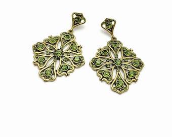 Long Gypsy design Earrings, peridot, Gold Tone, Vintage Wedding, Clearance SALE, Item No. B585
