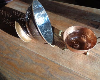 2 Vintage Copper Colander Strainers in 2 different sizes with solid brass handles in Vintage Condition with wonderful well developed patina