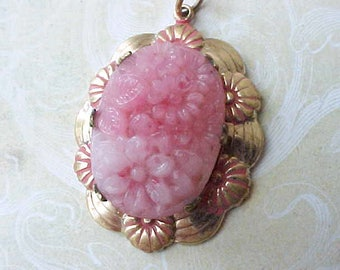 Charming Vintage Chinese Export Pendant with Carved Rose Quartz