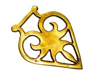 VINTAGE: Raw Brass Heart Pendant - Horse Harness - Repurpose Jewelry Pendant - (7-A6-00007304)