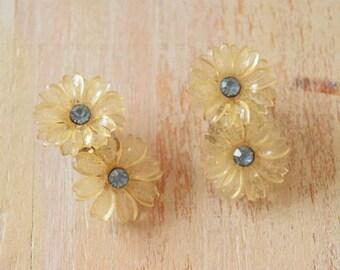 Vintage 1950's  Soft Plastic Flower Earrings | Lucite Earrings