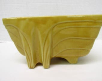 Vintage , Mid Century Modern , Art Deco , planter , USA , yellow , container , storage , modern home , office , atomic , marked , perfect