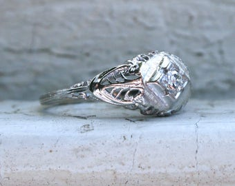 Vintage Filigree 18K White Gold Diamond Engagement Ring.