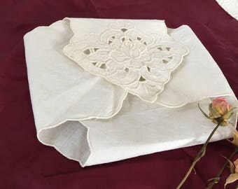 Vintage White Cotton Bread Basket Cover. Cotton Linen Bread Warmer Cloth.  Embroidered Rose and Leaves on Bread Cloth.