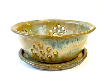 Large Pottery Berry Bowl, Ceramic Strainer, Ceramic Colander, Berry Basket, Berry Colander, Berry Bowl, Strainer, Pottery Colander