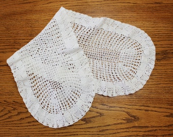 Crocheted Mantel Cloth- Vintage/ Antique- Dresser Cloth- White crochet- Oblong, oval shape- Size 28 by 10 inches