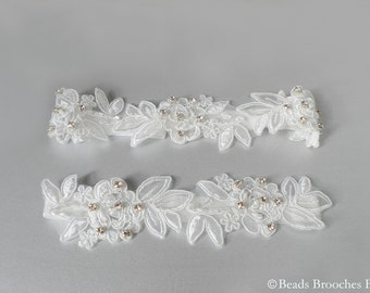 Flower Lace Wedding Garter, White Lace Bridal Garter set, Rhinestone Crystal Garter, Woodland Wedding Toss Garter, Wedding Garter Set
