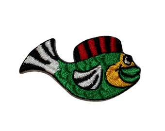 Id 0232 tropical emblem fish patch hawaii fishing diy iron on for Happy fish swimming