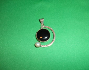 One (1), Brittania .950 Silver, Onyx & Pearl Pendant. Well Hallmarked.