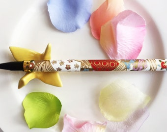 Japanese Fountain Calligraphy Brush Pen wrapped with Flower Pattern White Washi Paper