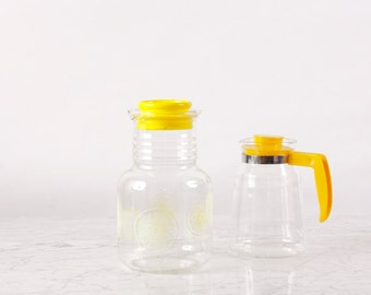 Vintage Glass Jug Set of 2 / Yellow Jug / Set of Juice Jugs / Yellow Juice Jugs / Glass Decanter / Carafe / Glass Pitcher / Water Pitcher