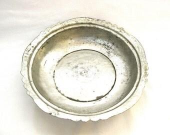 Vintage hand hammered copper bowl Turkish Ottoman handmade bowl