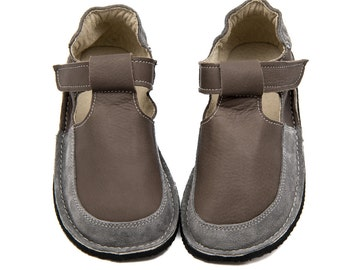 Gray shoes, leather lining, Vibram sole, velcro fastening, support barefoot walking, sizes EU 25 to 30 - US 9 to 12