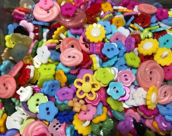 40 piece assorted flower button mix, 10-15 mm (39)
