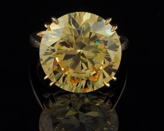 Etremely rare 20.00 Ct yellow Mali garnet solitaire ring