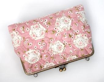 "9.5"" Clutch Bag, Kiss Lock – Quilted Patchwork Hand Bag Purse, Pink Garden"