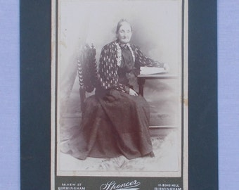 Victorian old lady photograph